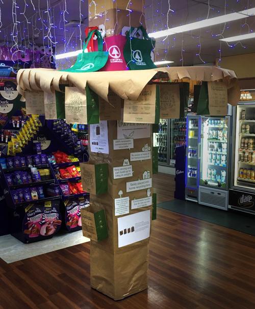 Sunshine Coast SPAR supermarket bans plastic bags
